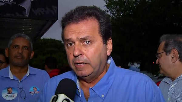 Carlos Eduardo promete 'recuperar' hospitais regionais