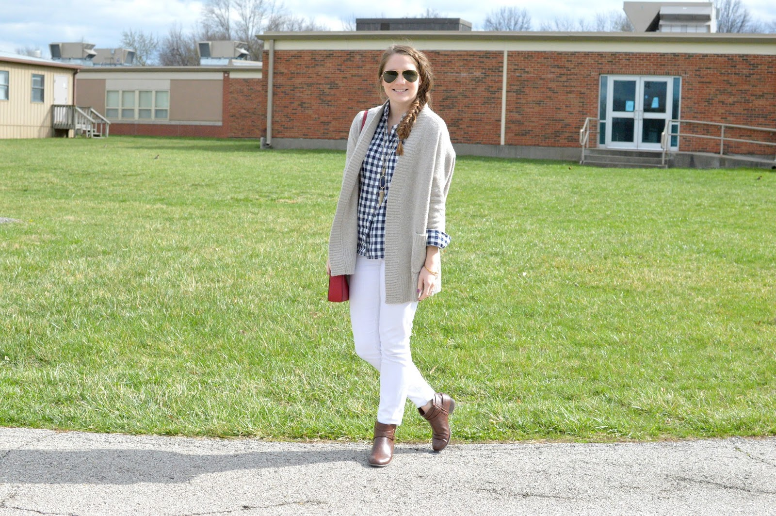 white jeans with a navy gingham blouse