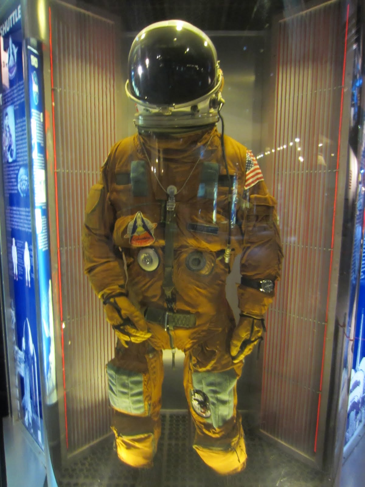 Space Shuttle Space Suit - Pics about space