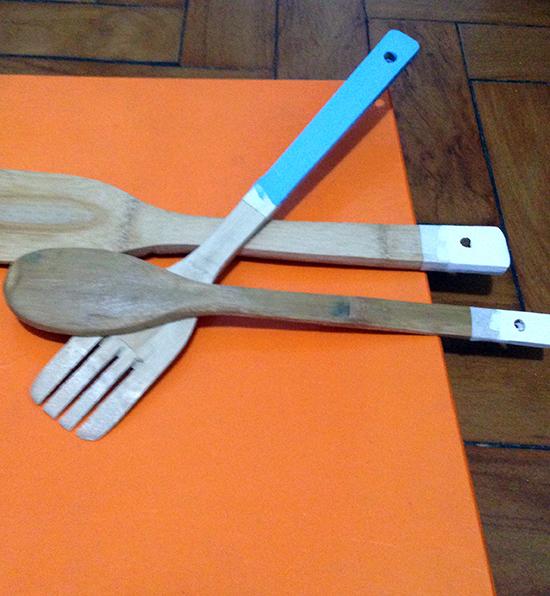 colher de pau colorida, colher de pau, wood spoon, wood spoon craft, craft, artesanato, acasaehsua, a casa eh sua, decor, home decor, decoração, decoration