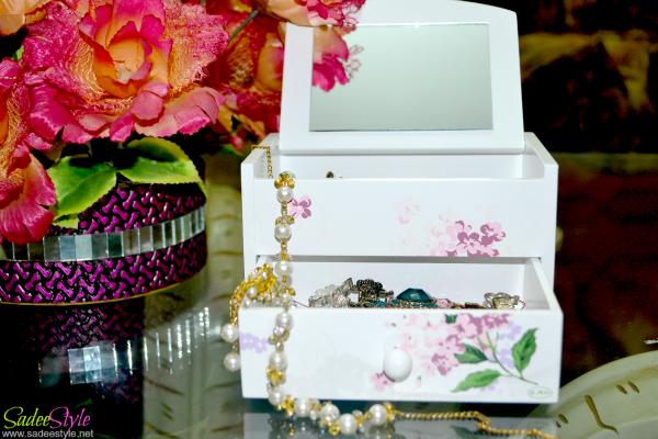 Cute Pattern Wood Jewellery Box