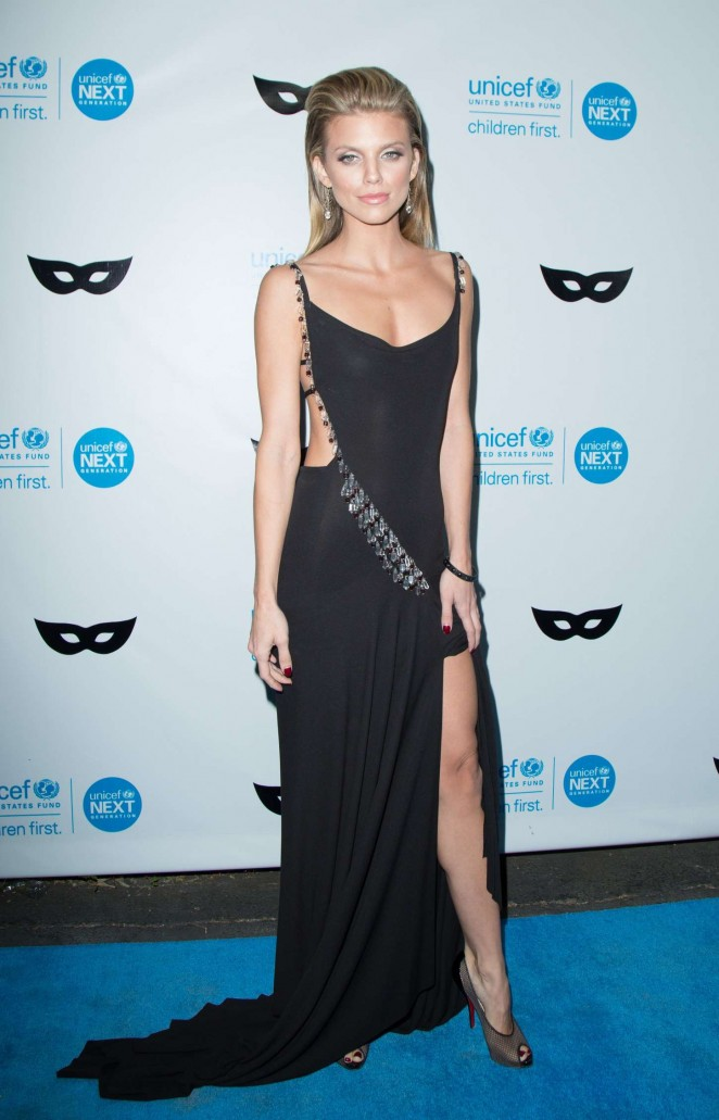 AnnaLynne McCord goes slinky for the UNICEF Black and White Masquerade Ball in LA