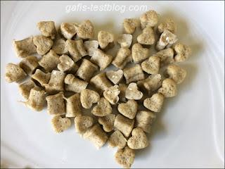 Parmesan Hundekekese aus der Mikrowelle.