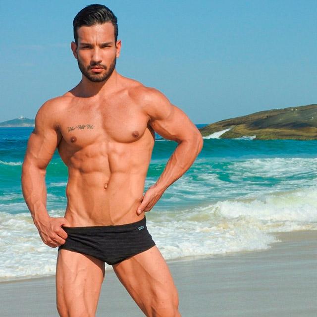 Campanha de moda praia com o atleta Lohan Figueiredo. Foto: William Netto