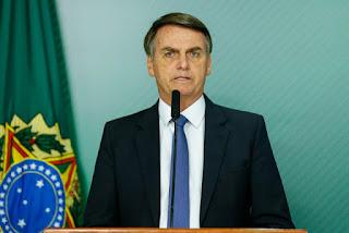 Bolsonaro viaja a São Paulo para ser submetido à cirurgia de retirada da bolsa de colostomia
