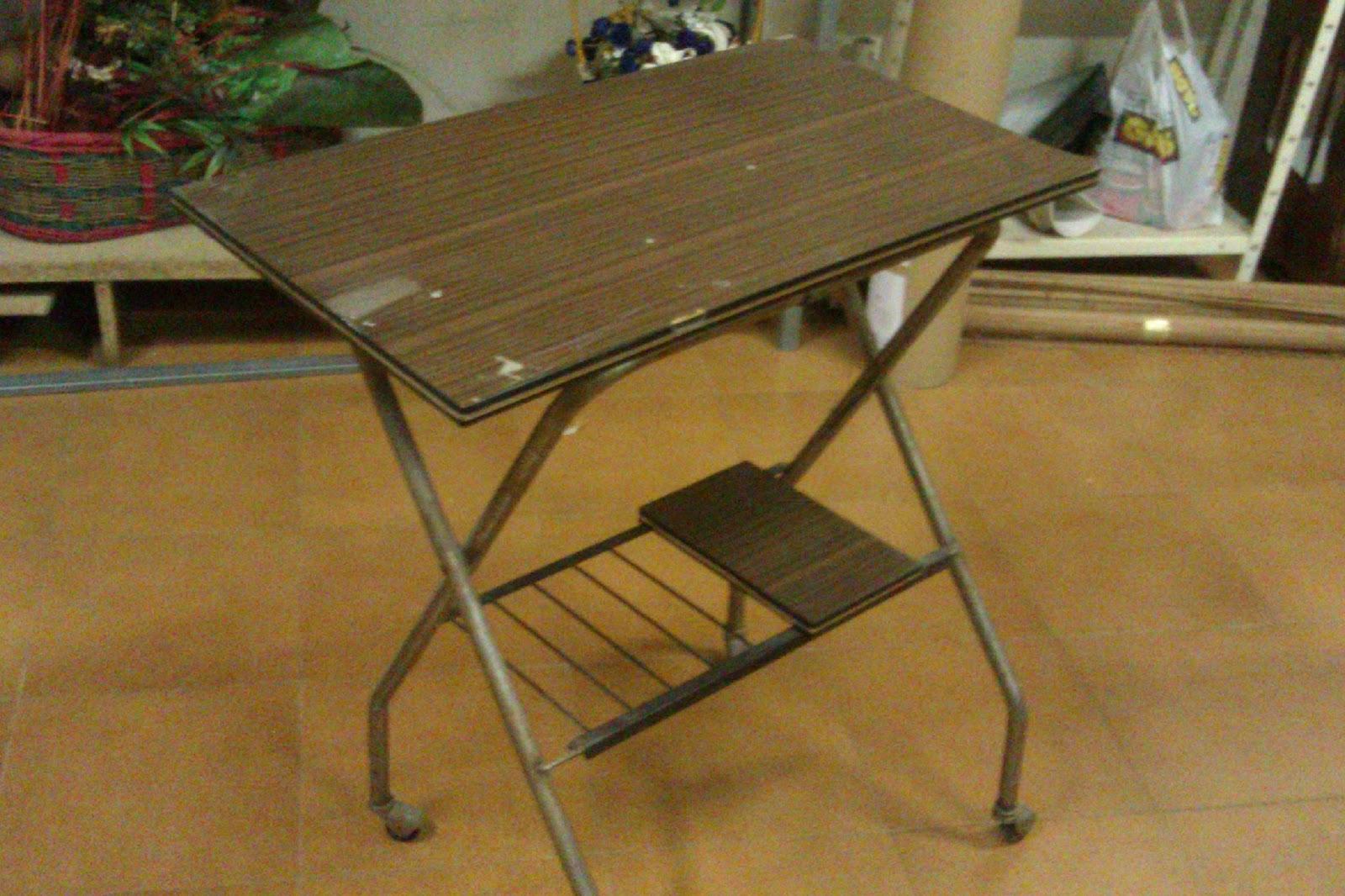 Decoraconmar a un escritorio mesa para ordenador a - Mesas antiguas de cocina ...