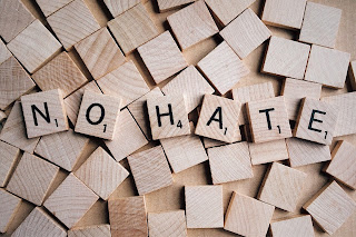 Cara-menyikapi-orang-yang-membenci-kita