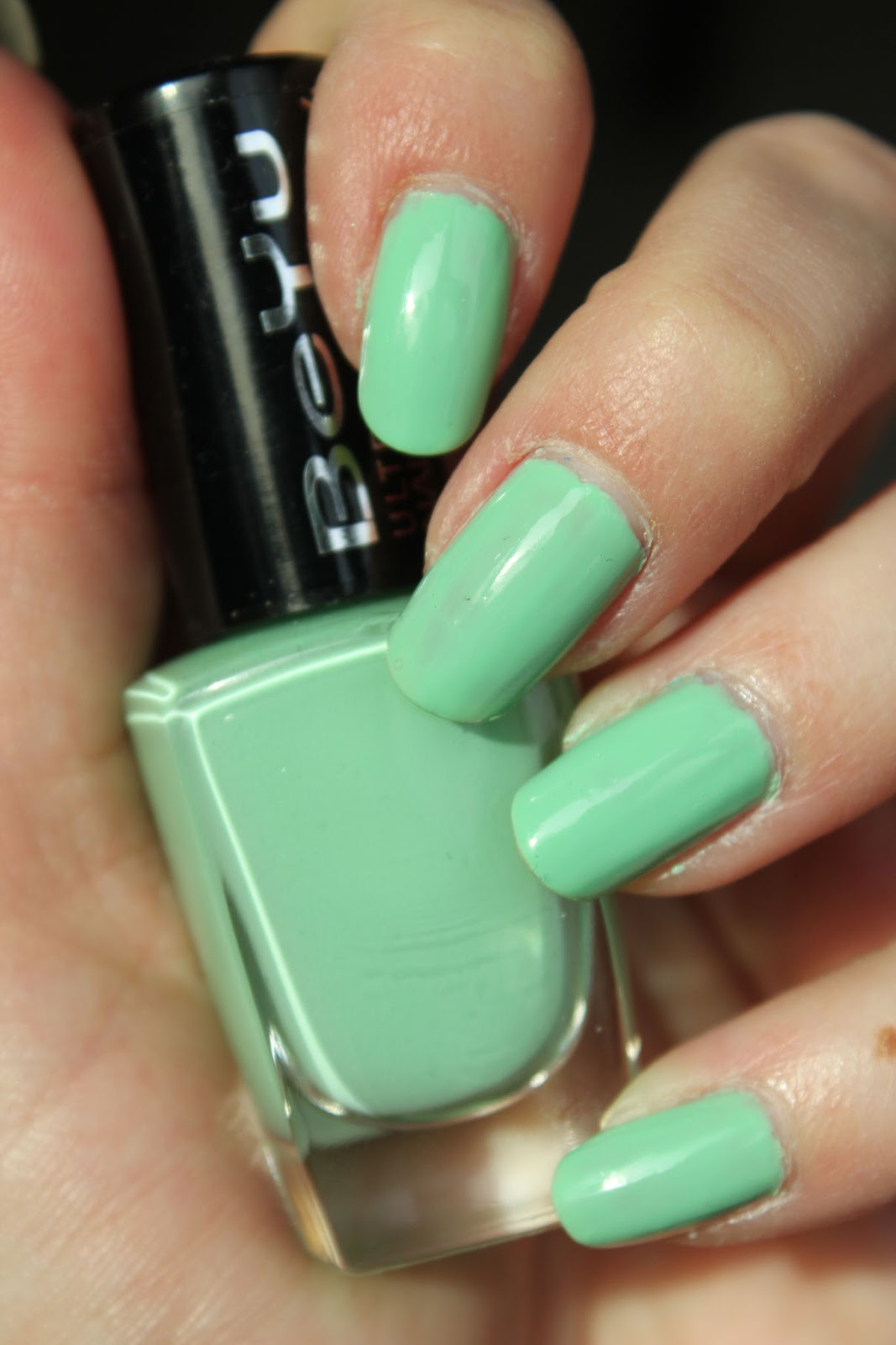 http://lacquediction.blogspot.de/2014/03/beyu-ultra-shine-nail-lacquer-234-candy.html