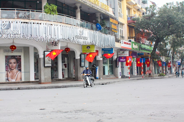 Peaceful beauty of Ha Noi during the holiday 4