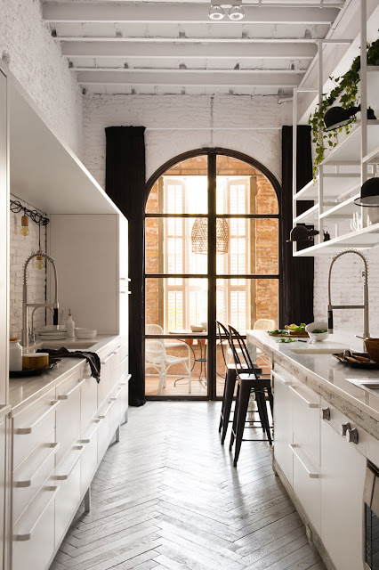 Interior Design: Charming space a loft in Barcelona