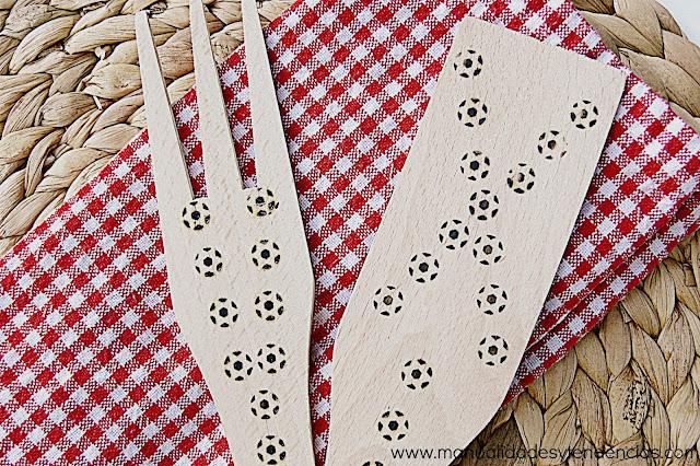 Cómo decorar cubiertos de madera con pirograbador