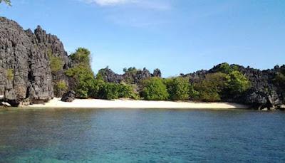 Menikmati Surga Tersebunyi Di Pulau Labengki  MENIKMATI SURGA TERSEMBUNYI DI PULAU LABENGKI