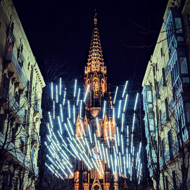 What to see in San Sebastián in winter: Christmas lights at night