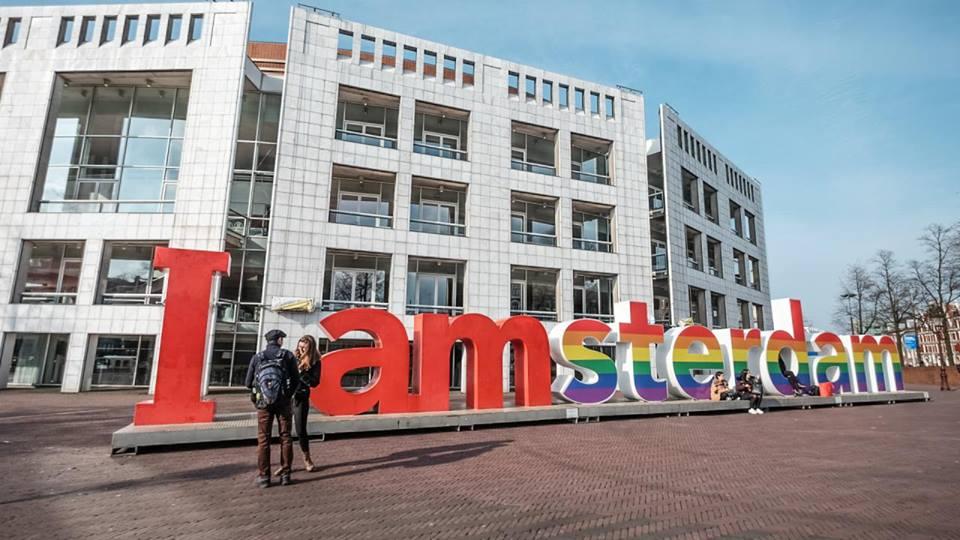 Amsterdam celebra 15 anos do 1º casamento entre pessoas do mesmo sexo no Mundo