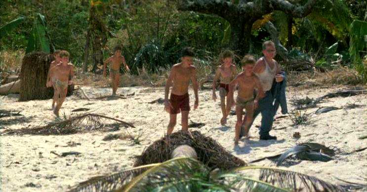 Eve dönüş yolu kısa sürmüştü, fakat çocuklar çaldıkları tekne yüzünden oracıkta tutuklandı.