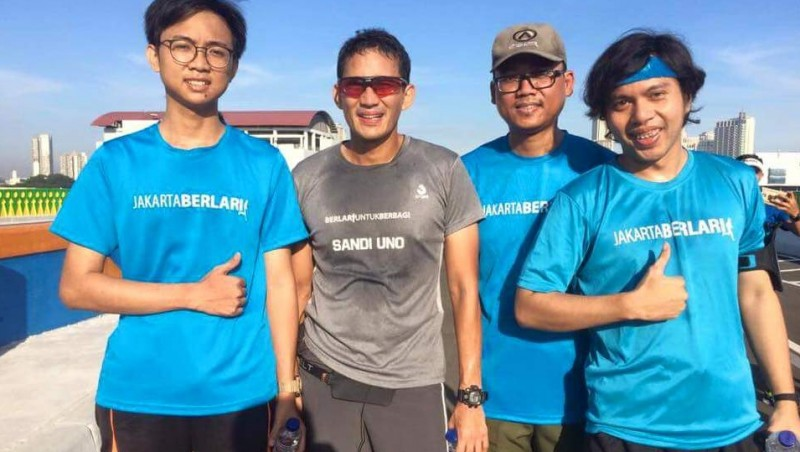Sandiaga Uno dengan komunitas Jakarta Berlari