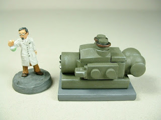 Small scale power generator designed for 25-28mm war games and role-playing games - type 1 - front view.