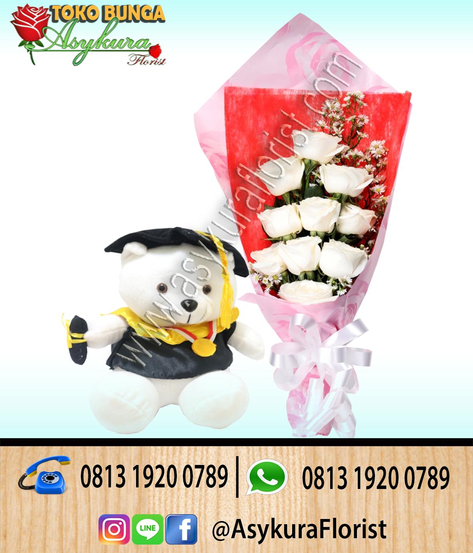 Toko Bunga Cikarang - Jual Hand Bouquet Wisuda Mawar Merah Boneka dan Coklat