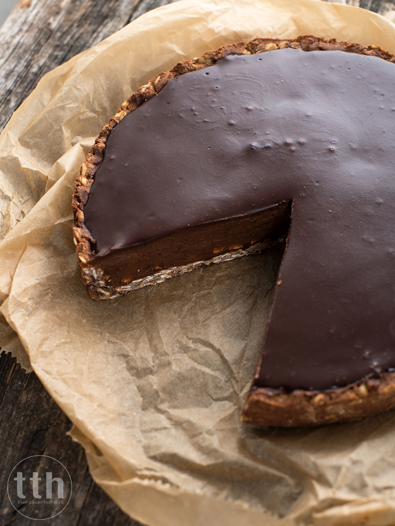 Tarta chalwowo-czekoladowa z ciecierzycy - przepis weganskie, bezglutenowe