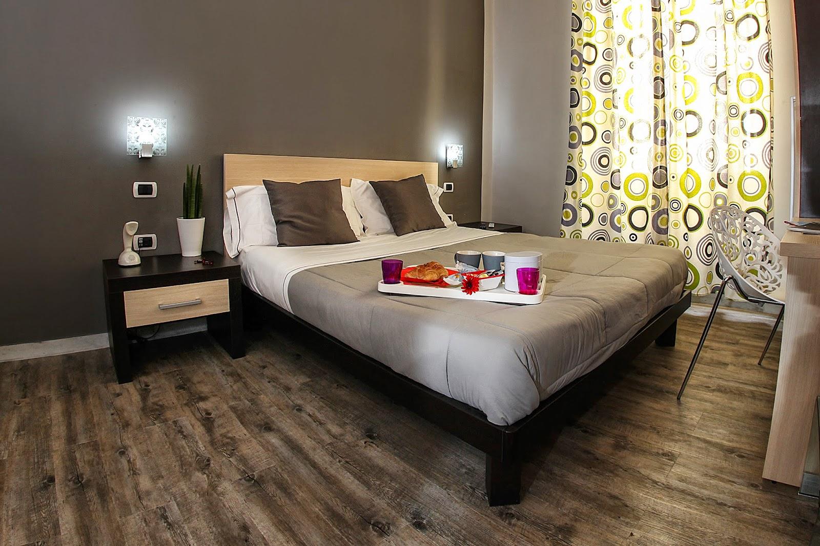 Hotel a ore napoli centro day use napoli centro storico - Alberghi con camere a tema ...