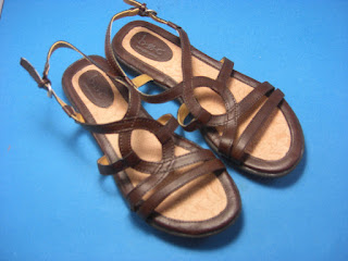 http://bargaincart.ecrater.com/p/24495474/boc-born-concept-womens-brown