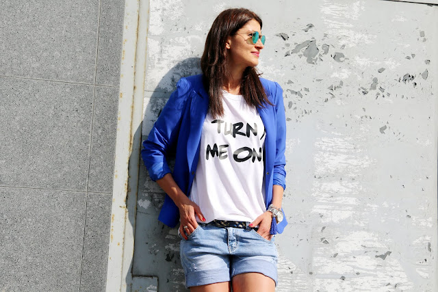 casual friday, summer style, jeansowe szorty, novamoda style, marynarka, casual, kolatowa marynarka, streetstyle, blog po 30ce, moda po 30ce, blogerki, blog moda, modowe blogerki,