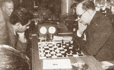 Eduardo Pérez contra Àngel Ribera en el XXIII Campeonato de España de Ajedrez 1958