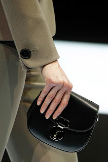 5ba51e5c3 Louis Vuitton. Convierte la mochila ...