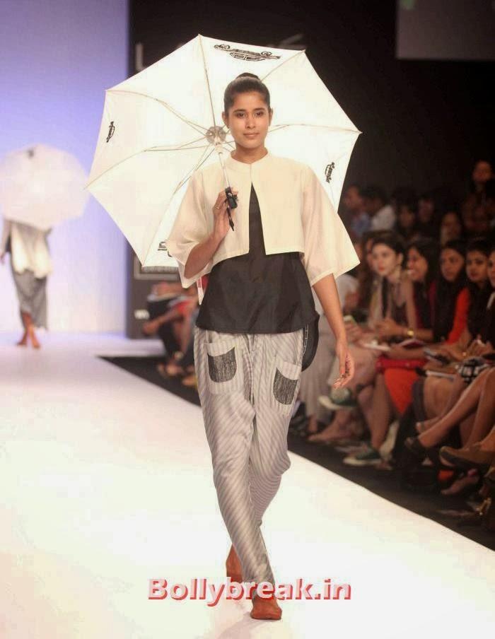 Parul Duggal, Indian SuperModels Ramp Walk at Gen Next Show at Lakme Fashion Week 2014