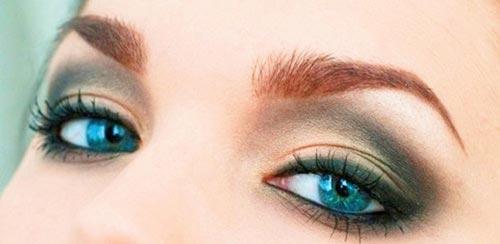 ojos maquillados de beige y negro