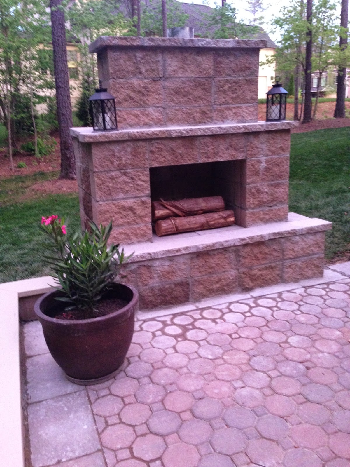 Life in the Barbie Dream House: DIY Paver Patio and ... on Diy Outdoor Fire id=44559