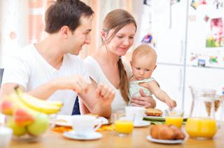 Menerapkan diet yang sehat sangat penting selama kehamilan 10 Sumber Makanan Sehat untuk Ibu Menyusui
