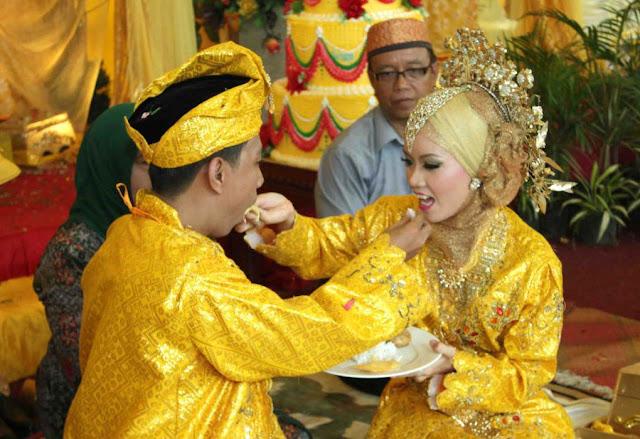 Prosesi pernikahan budaya melayu di Asahan.