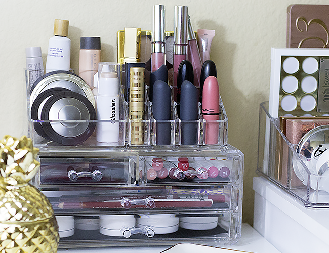 The Best Beauty Tools: Acrylic Makeup Organizer