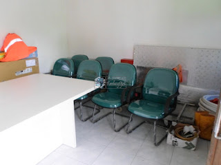 Meja Rapat  Kapasitas 8 Orang Dengan Lan HUB dan Kursi Rapat Kantor