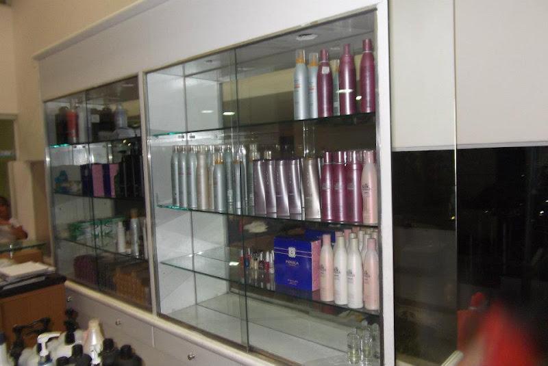 referencia 040 - estante em madeira, vidro e espelho - 350,00 ( frente ...