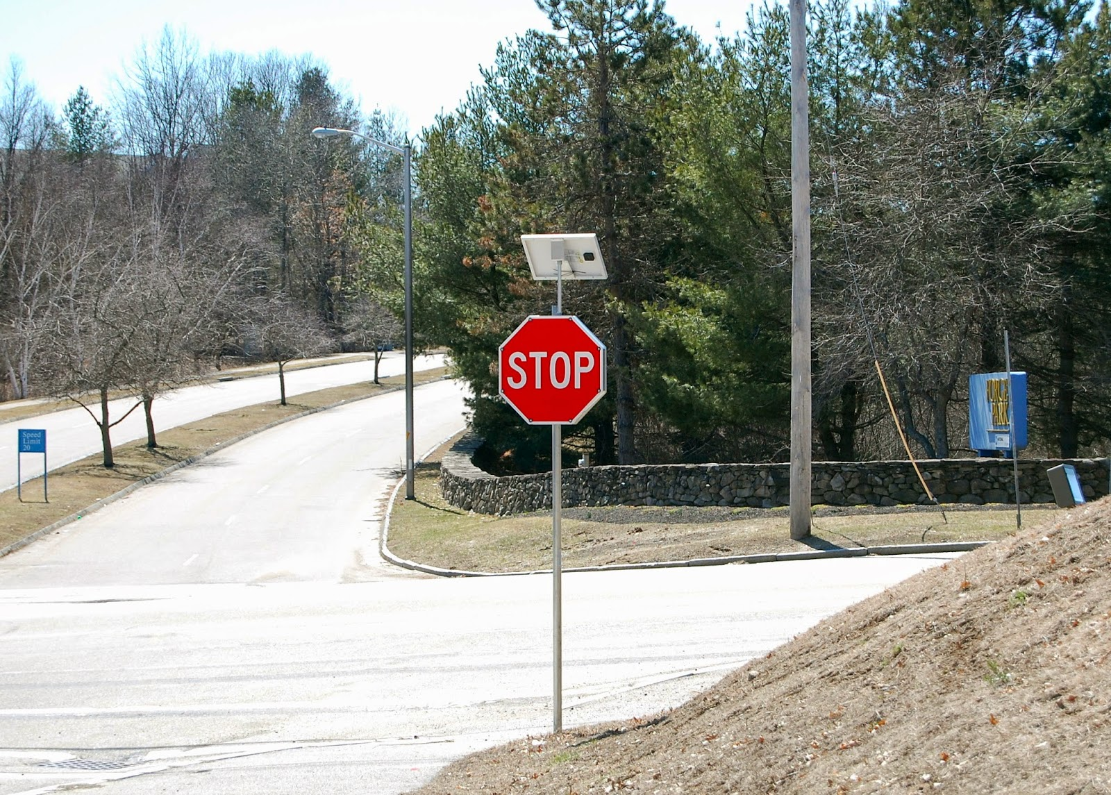 stop sign has blinking lights all around the edge