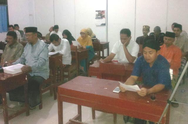 Tingkatkan Pengetahuan Agama, PCM Kalisat Rutin Kajian Tafsir Qur'an