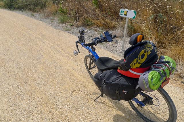 De Paris à Narbonne en vélo, graviers