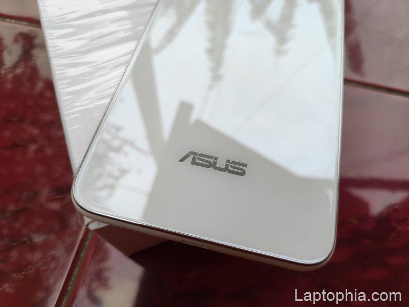 Desain Asus Zenfone 5Q