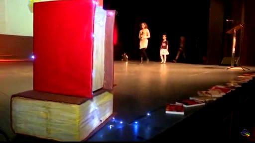 Stage Giant Book Props | Bosnamigurumi