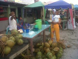 Ramadhan Jadi Berkah Pedagang Kue Di Aceh Singkil
