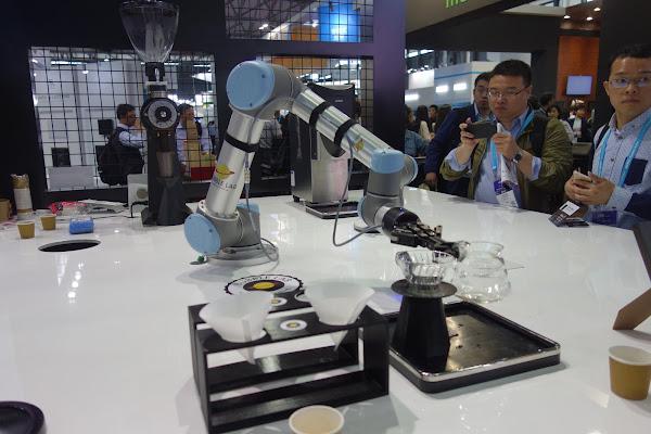 [上海現場] 來看機器手臂煮咖啡!中國創客實驗室 BUBBLE LAB 打造屬於硬體新創的創客空間