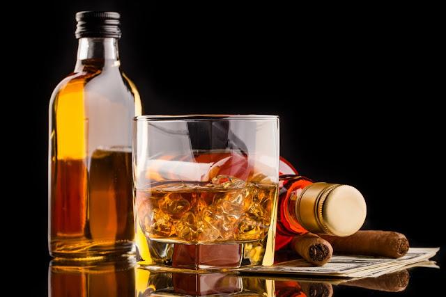 8 Daftar Makanan dan Minuman yang Mengganggu Kesehatan Kulit