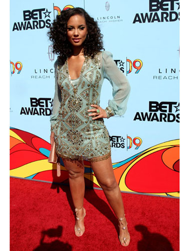 Alicia Keys Fat Legs 118