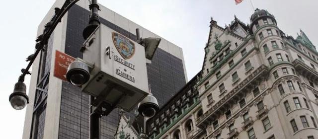Iwatchs-Holding-CCTV-Distributor-IP-Surveillance