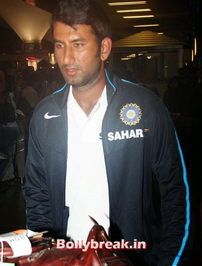 Cheteshwar Pujara, Indian Cricket Team Return from South Africa at Mumbai Airport