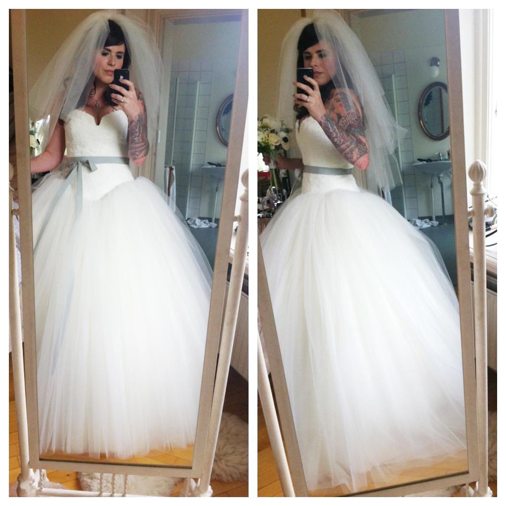 Anne Hathaway Bride Wars: Welcome [wallsebot.tumblr.com]