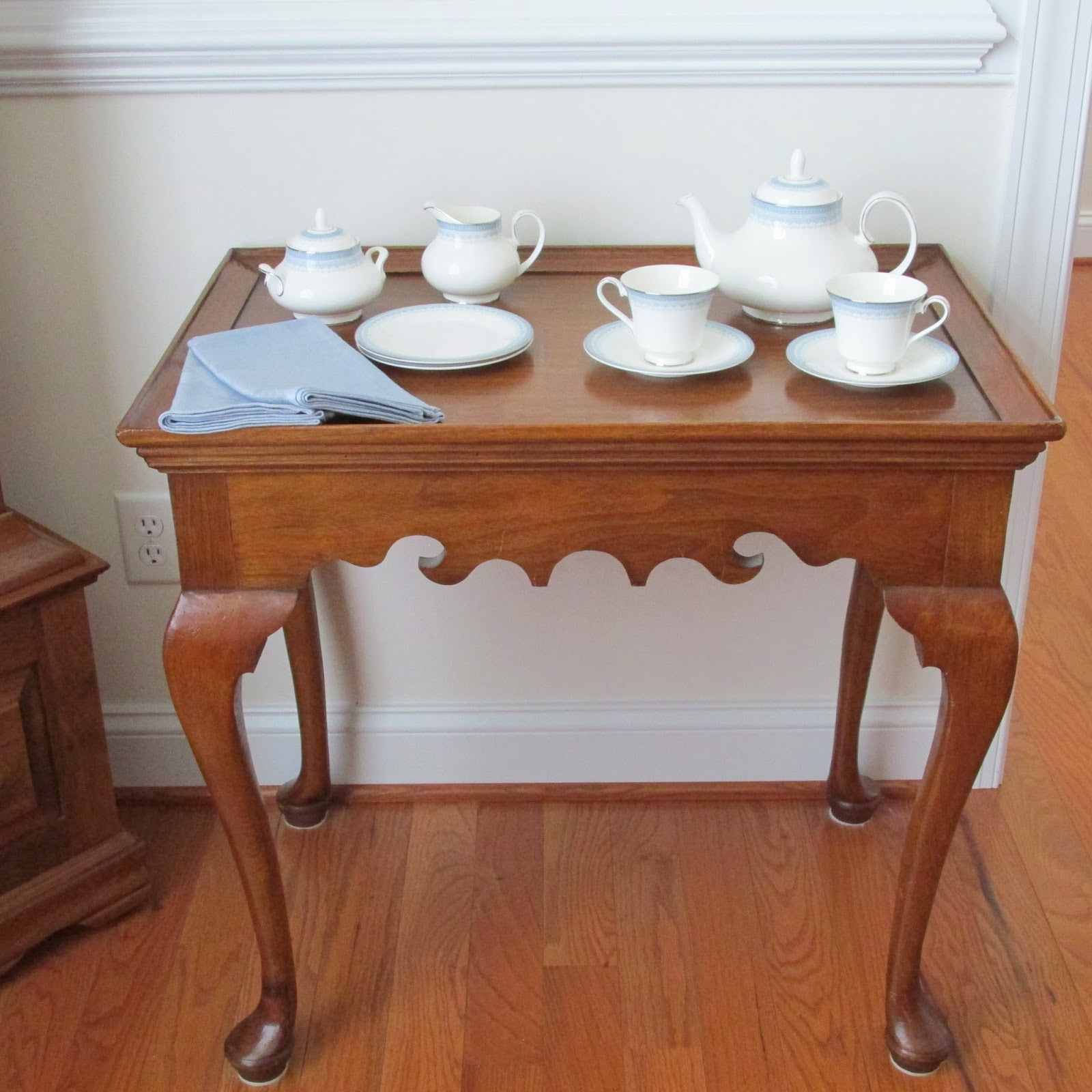 Delightful The Original Tea Table Had Been Made In The Last Quarter Of The 1700s For A  Wealthy Client In The Philadelphia Area. Although Furniture Made From  Mahogany ...