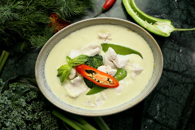 How to Cook Green Curry - RictasBlog
